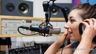 Udemy Discover the Secrets to Being an Awesome Radio DJ
