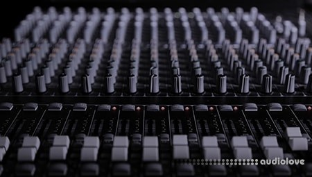 SkillShare Operating the Audio Mixer A Beginner's Guide to Mixing Live Sound TUTORiAL